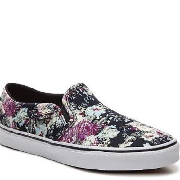 facbd81671 Vans Navy Floral Canvas Slip On Sneakers SZ 7.5. M 5c0c562e1b32948bb8d2c5c5